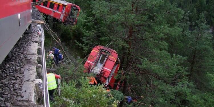 Un train déraille en montagne en Suisse