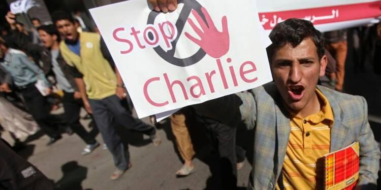 Hollande oppose l'idéal français aux manifestations à l'étranger