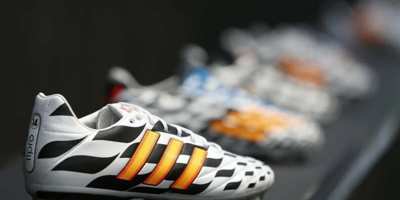 Adidas rachètera des titres pour calmer les investisseurs