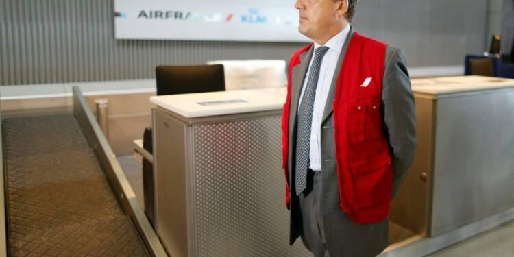 La grève à Air France se poursuivra malgré l'appel de Manuel Valls
