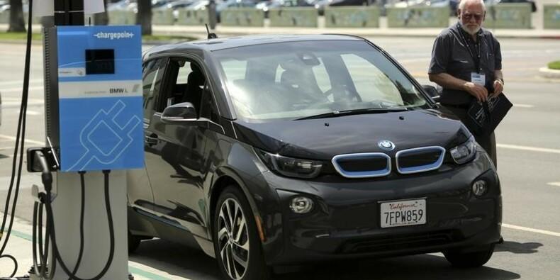 Tesla dit être en discussions avec BMW sur les batteries