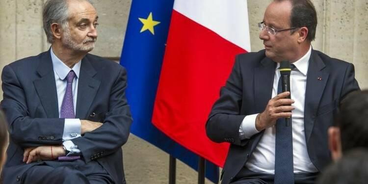 """Équation """"presque impossible"""" pour la France, s'inquiète Jacques Attali"""