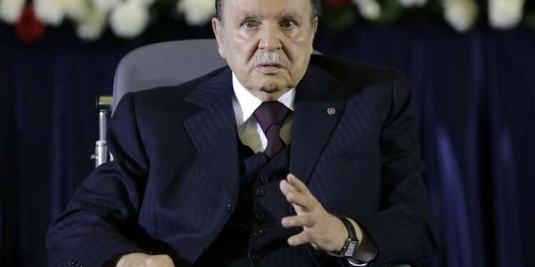 Bouteflika est sorti de la clinique et a décollé pour Alger