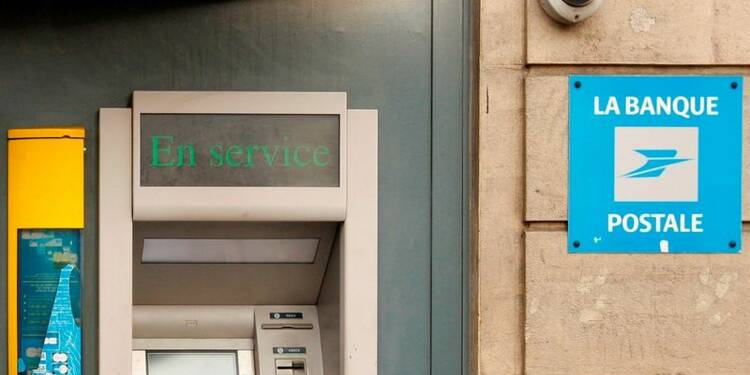 Huit gardes à vue pour escroquerie à la Banque postale