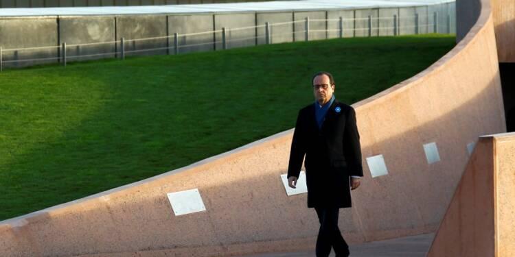 """Hollande préside un 11-Novembre """"d'espérance"""" face aux épreuves"""