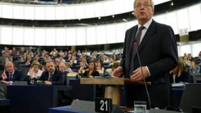 Juncker adoubé à la tête de la Commission européenne