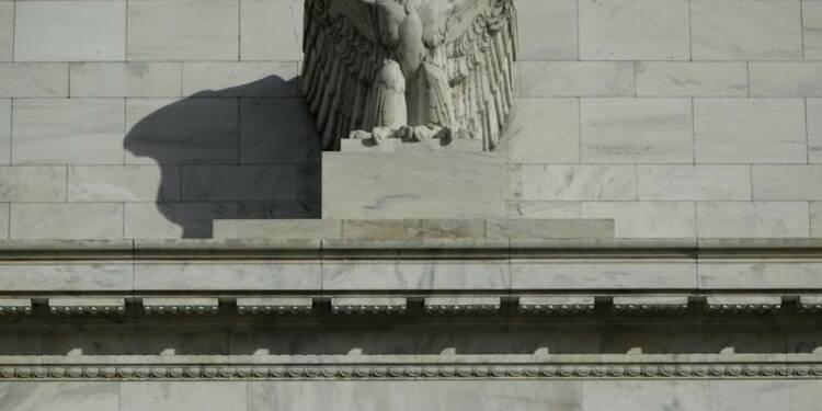 La chute du pétrole a eu des effets contrastés, dit la Fed
