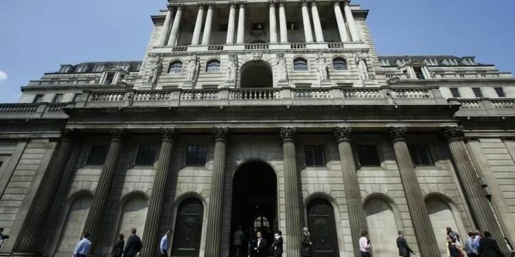 La Banque d'Angleterre observe le statu quo sur les taux