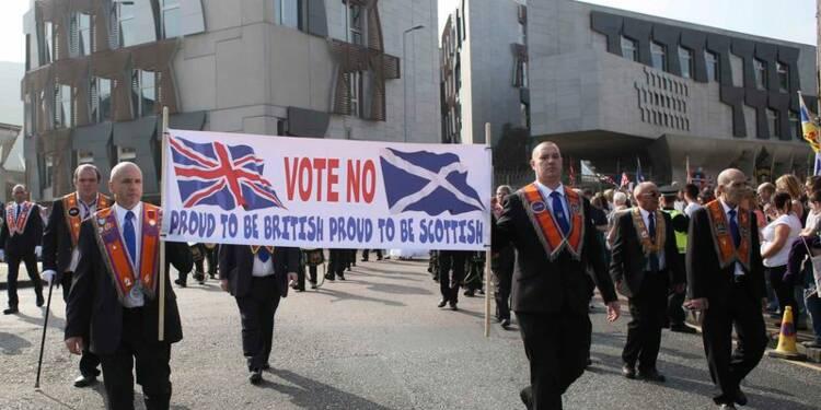 """Les partisans du """"No"""" défilent à Edimbourg, le non donné gagnant"""
