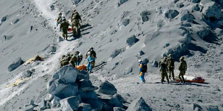 Le bilan de l'éruption du volcan Ontake s'alourdit à 47 morts