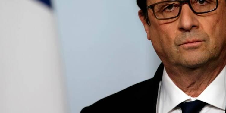 François Hollande à 15% d'opinions positives, gagne deux points