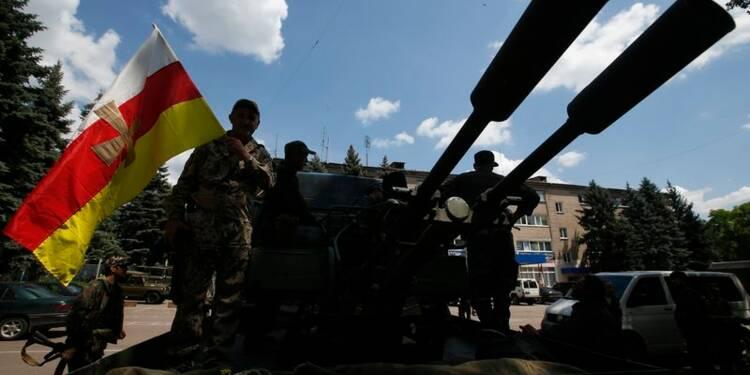 Attaque rebelle meurtrière dans l'est de l'Ukraine, Kiev tempête