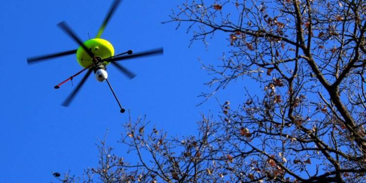 Bernard Cazeneuve veut de nouvelles mesures contre les drones