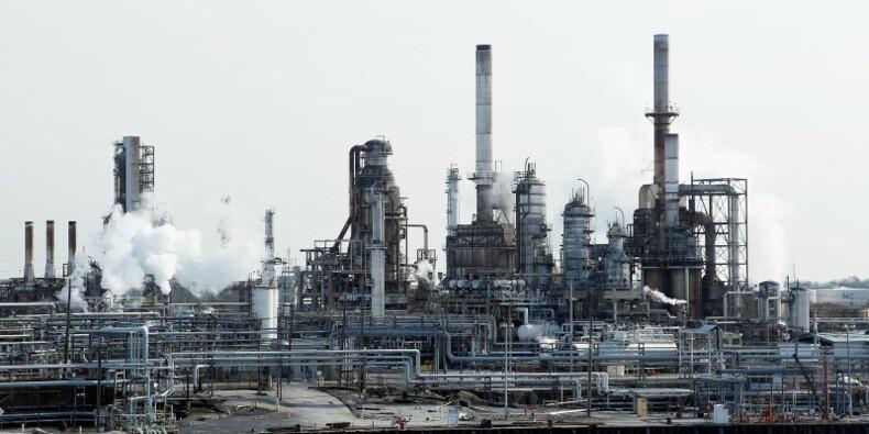 La hausse de la production US de pétrole va ralentir, dit l'EIA