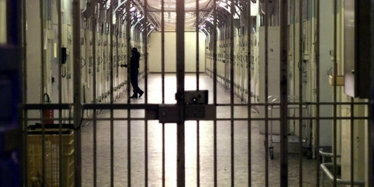 Des centaines de radicaux islamistes en prison, selon un rapport