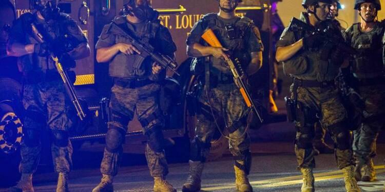 RPT-La police essuie des tirs à Ferguson et arrête 31 personnes