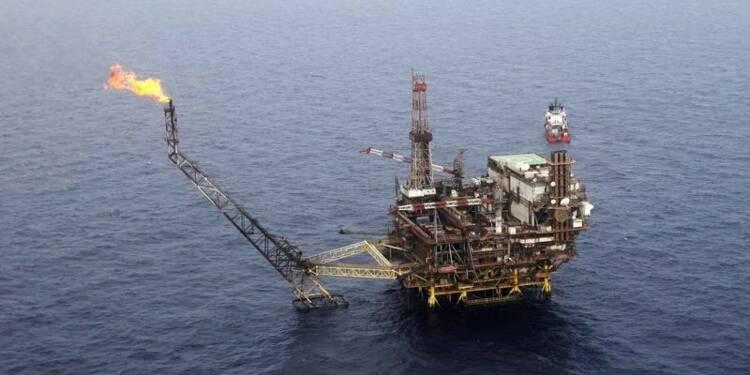 Les cours du pétrole, sous 100 dollars, n'inquiètent pas encore
