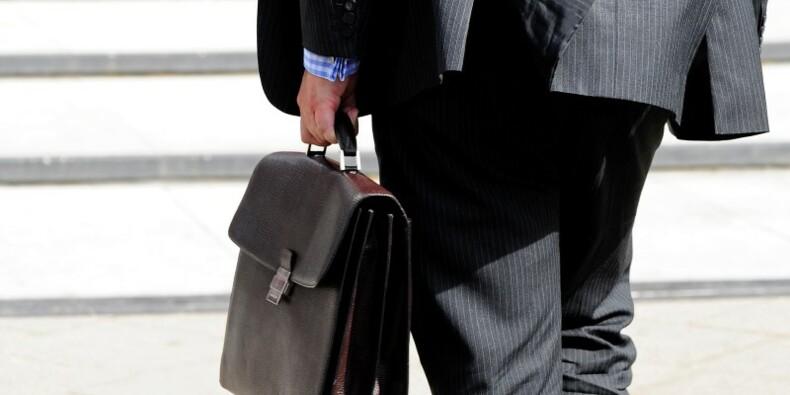 L'activité dans le privé en France recule encore en novembre