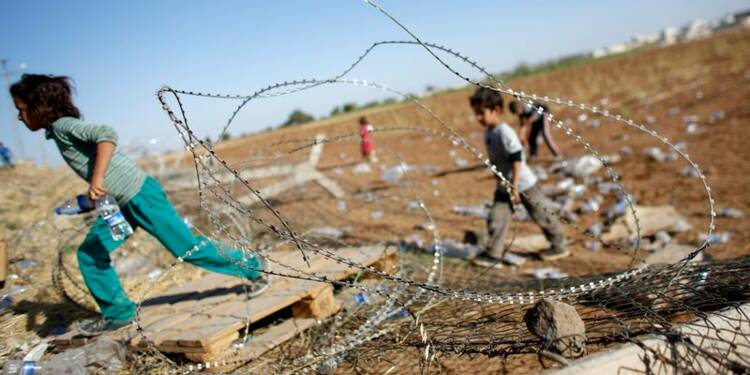 Malgré les raids, l'EI se rapproche de la ville syrienne de Kobani