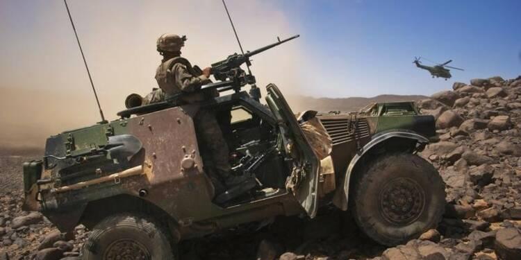 Une base française près de la Libye pour combattre les islamistes
