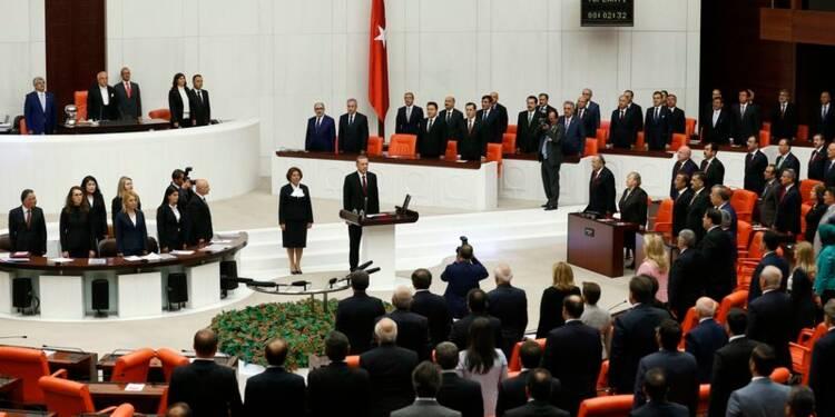 Recep Tayyip Erdogan investi 12e président de la Turquie