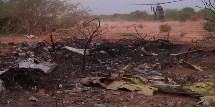 L'armée française sur le site du crash de l'avion d'Air Algérie