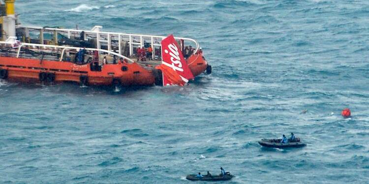 La queue de l'appareil d'AirAsia a été récupérée en mer de Java