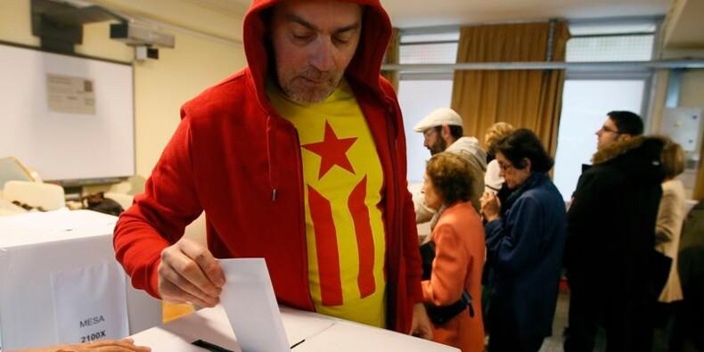 Les Catalans votent symboliquement sur l'indépendance