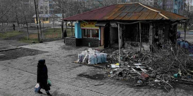 L'offensive des rebelles se poursuit près de Marioupol, dit Kiev