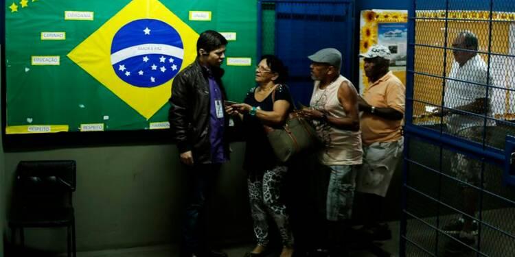 Les Brésiliens aux urnes, Dilma Rousseff favorite
