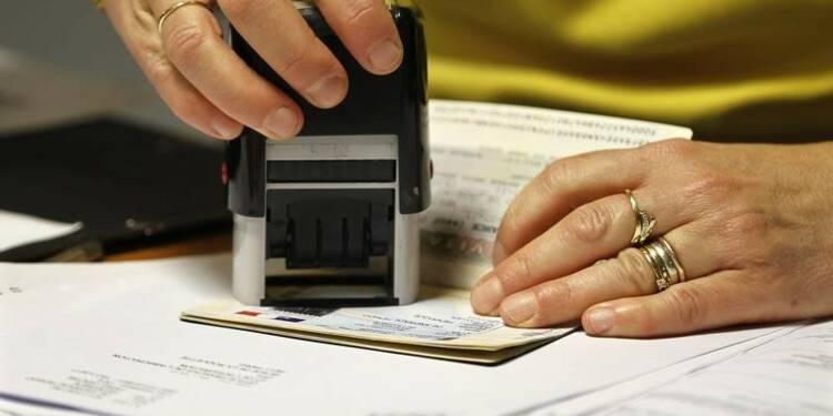 Les régularisations d'étrangers ont baissé en 2014