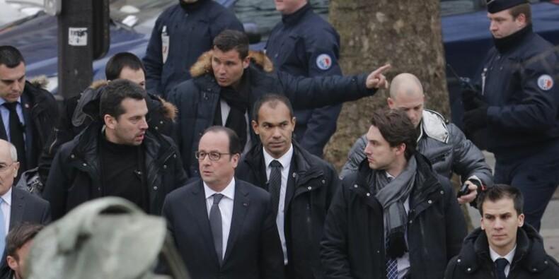 """Au moins onze morts dans l'attaque au siège de Charlie Hebdo, Hollande parle d'""""attentat terroriste"""""""
