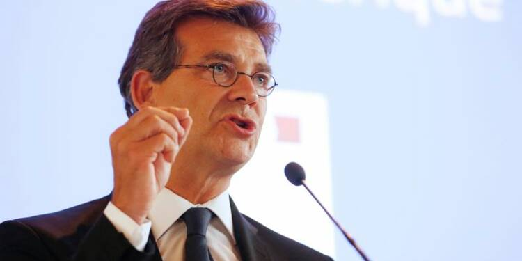 """Le gouvernement implose, Arnaud Montebourg """"reprend sa liberté"""""""