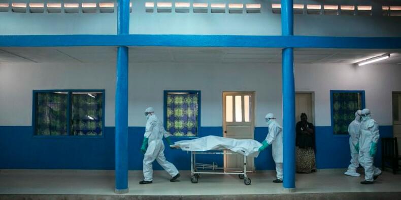 Le virus Ebola a fait près de 7.400 morts, selon l'OMS