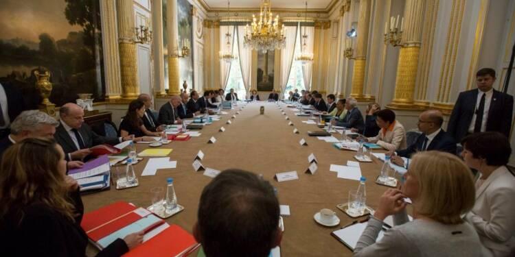 Les défis de l'âpre rentrée du gouvernement français