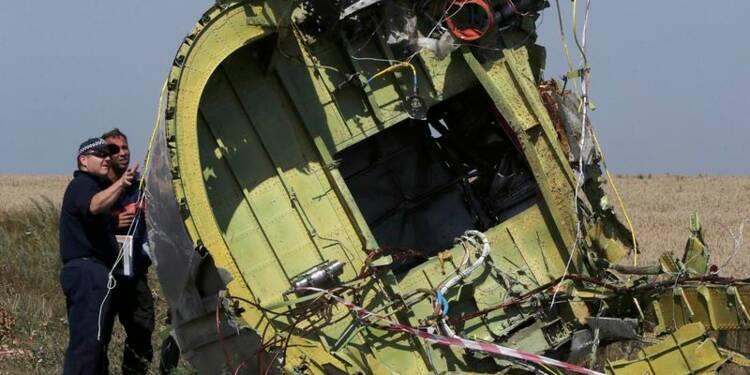 Poursuite des recherches sur le site du crash du vol MH17