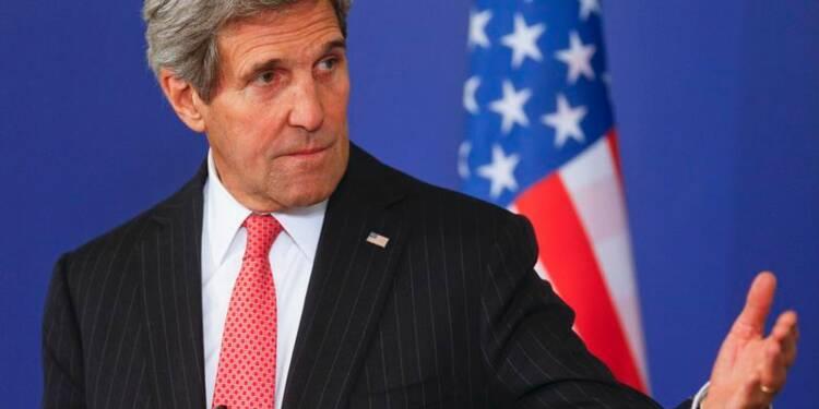 """Kerry va à Paris pour une """"grande accolade"""" à une ville éprouvée"""