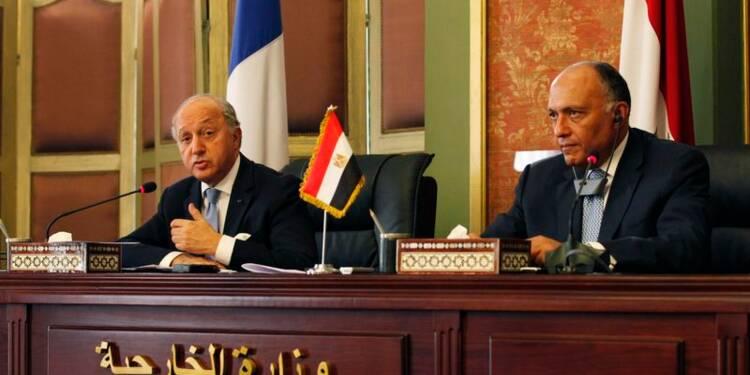 """Laurent Fabius au Caire pour """"casser la spirale de la violence"""""""