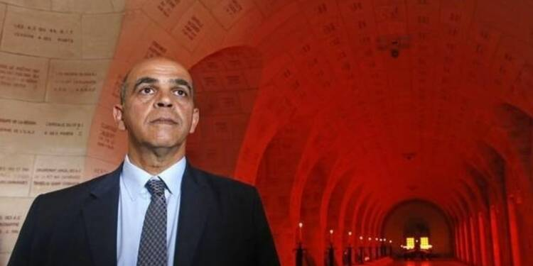 Une enquête vise des proches du secrétaire d'Etat Kader Arif