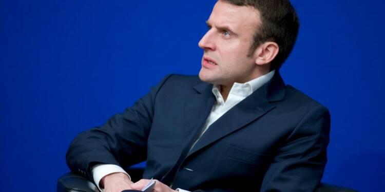 """Emmanuel Macron fustige les """"fainéants"""" du Parti socialiste"""