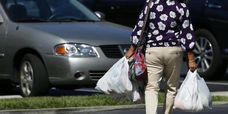 Nette hausse des ventes au détail en novembre aux Etats-Unis