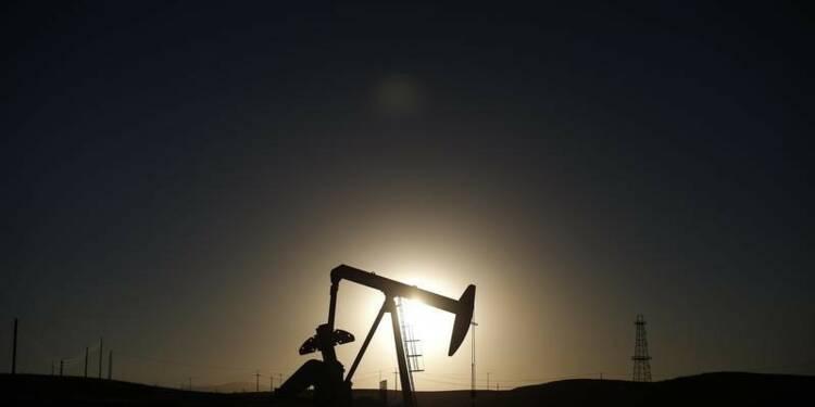 Le cours du pétrole dégringole encore à New York