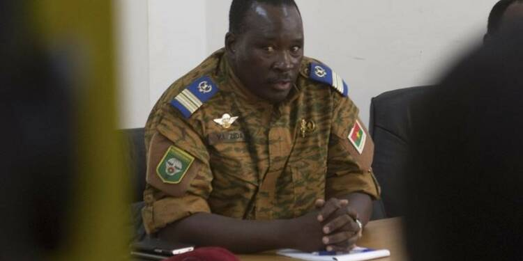 Un gouvernement de transition promis au Burkina Faso