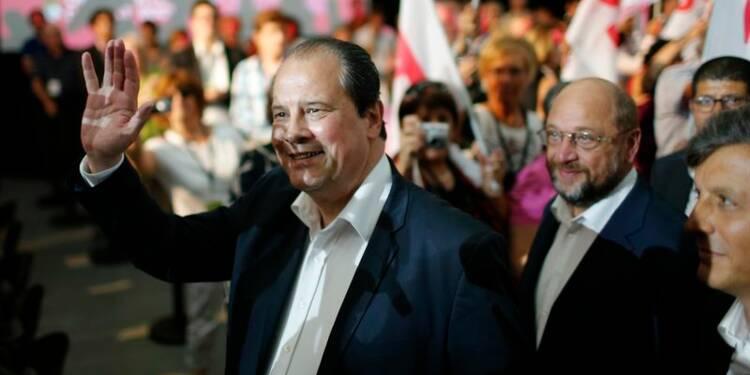 Cambadélis attaque Berlin et invite le PS à sortir de sa bulle