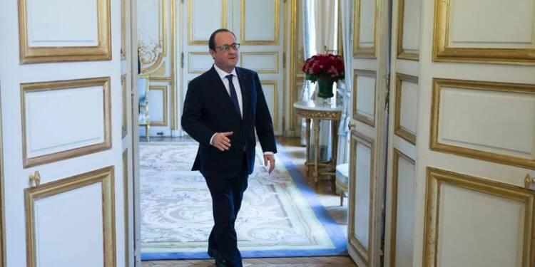 Légère embellie pour François Hollande à 21%, selon OpinionWay