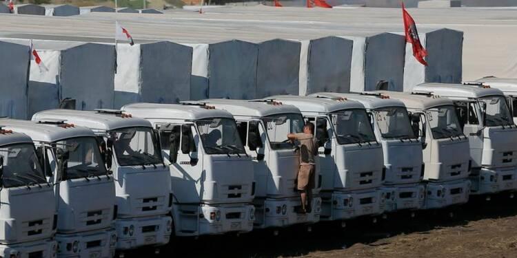 Inspection du convoi d'aide humanitaire russe en Ukraine