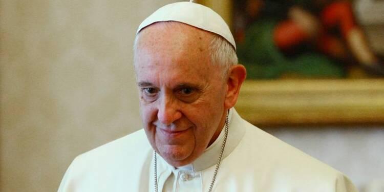 """Le pape demande pardon pour le """"culte sacrilège"""" des abus sexuels"""