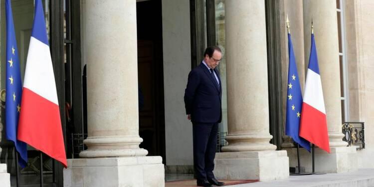 Hollande exclut de changer de ligne après les départementales