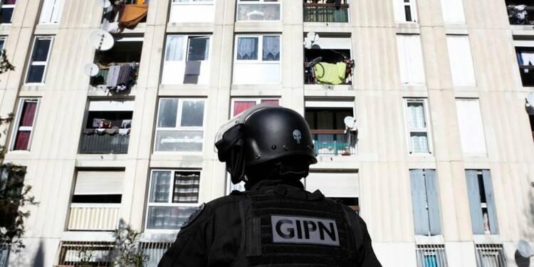 Deux interpellations pour des tirs de Kalachnikov à Marseille