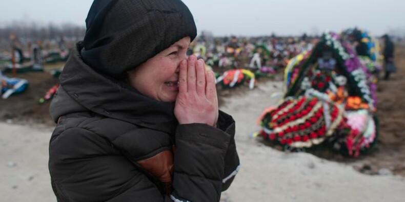 L'UE condamne l'escalade de violence en Ukraine et menace Moscou
